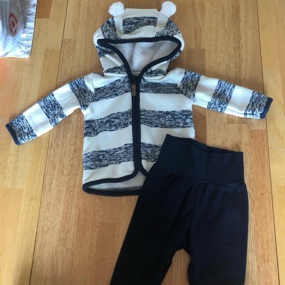 H&M Other - 🎉HP🎉Baby H&M fleece sweatshirt w/ fleece sweats